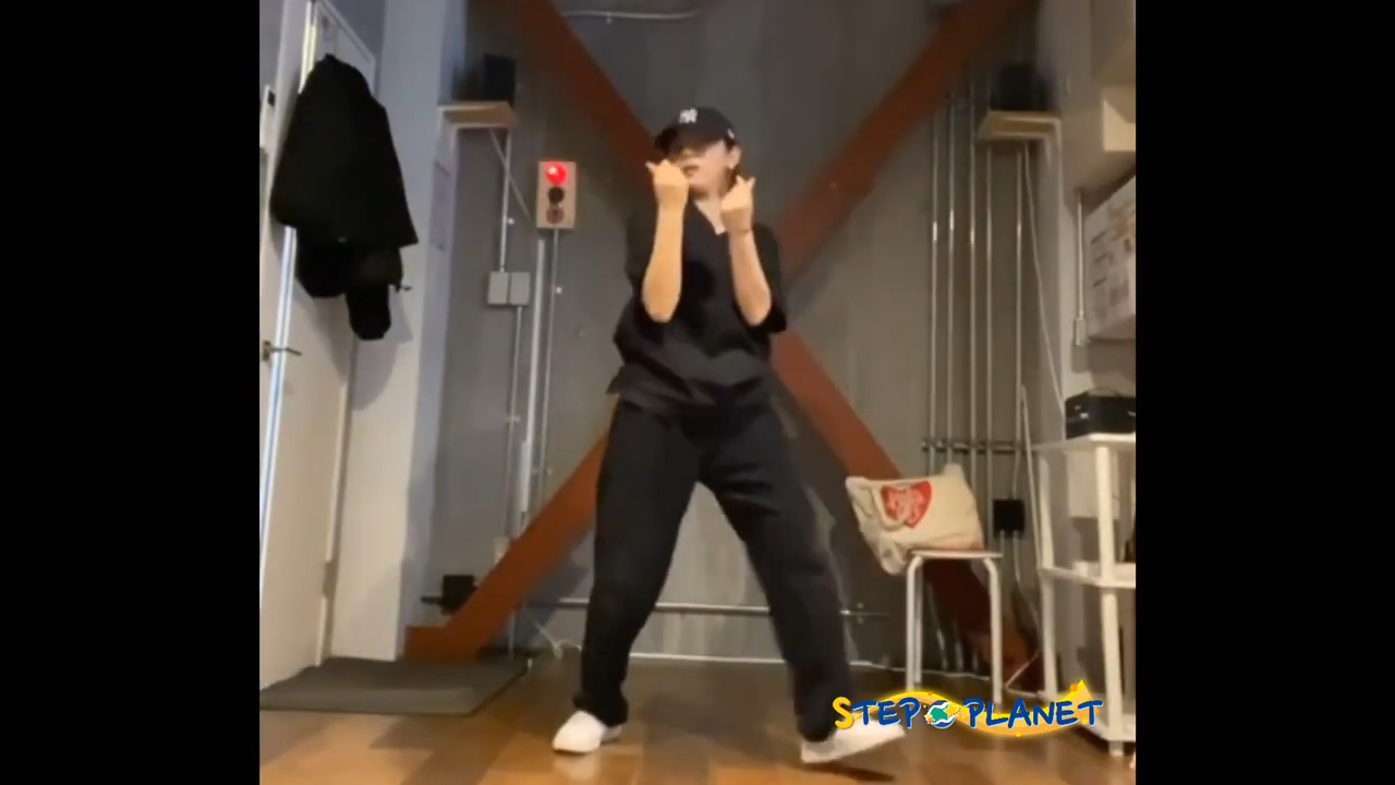 小学生限定オンラインダンススクールのステッププラネットの紹介動画2